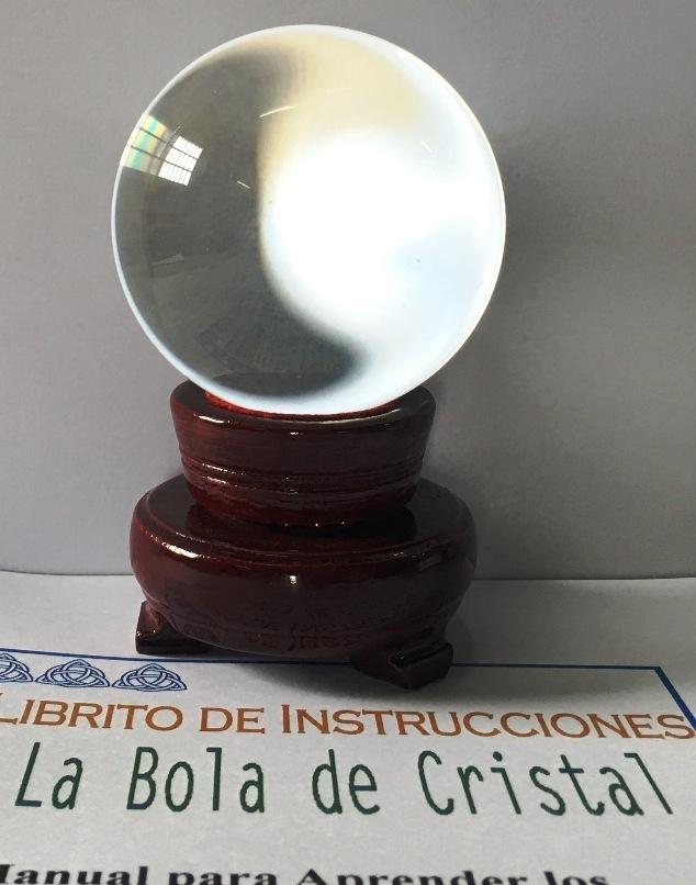 f689fc46b0043 Bola De Cristal Con Peana de Madera de 6 cm